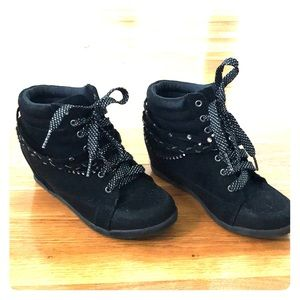 Justice Shoes - Justice black wedge sneakers